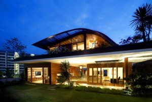 exterior-cool-organic-home-design-ideas-with-level-floors-and-wooden-wall-also-floor-and-glass-windows-also-sliding-glass-door-and-clear-lights-also-green-grass-and-trees-awes